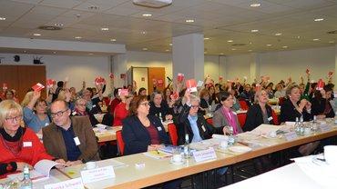 Abstimmung bei der Landesfrauenkonferenz NRW