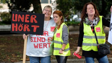 Frauen kämpfen für gute Tarife