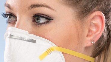 Corona Frau Maske Virus